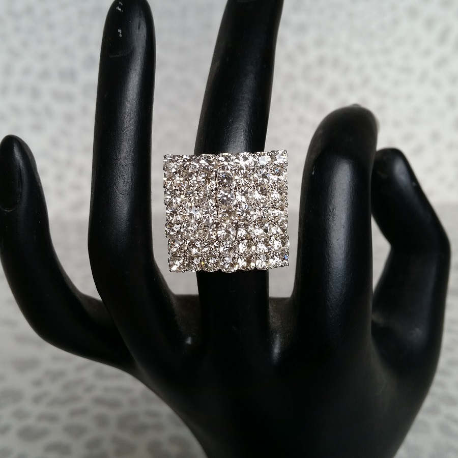 Diamante Bikini competition Ring