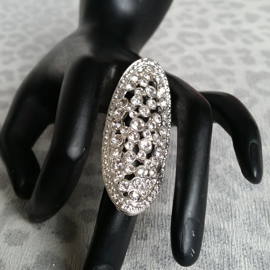 Diamante Competition Ring
